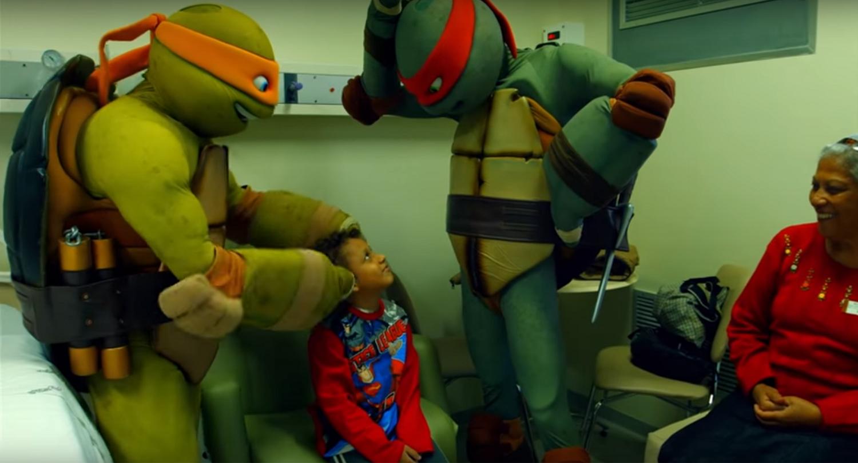 Tartarugas Ninjas Visitam Pacientes do HNSG - Hospital Nossa Senhora da Graça