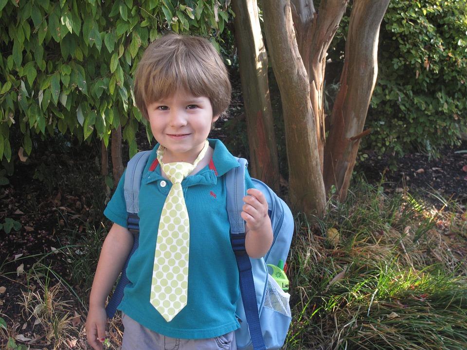 Uso correto de mochilas escolares - Hospital Nossa Senhora da Graça
